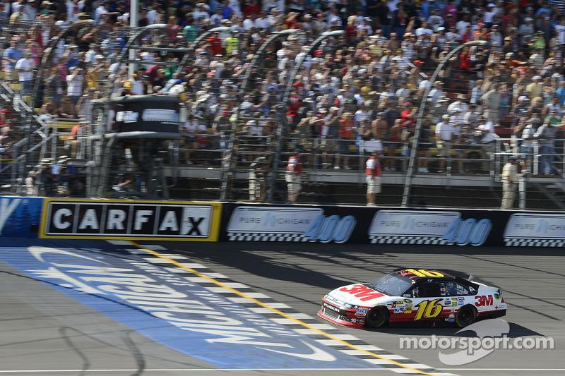 Greg Biffle, Roush Fenway Racing Ford pakt de overwinning