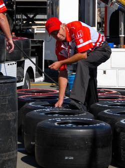 Team Dale Coyne Racing pit stall
