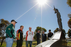 In this 50th year celebration, Colin Bond, Allan Moffat, Jim Richards and Dick Johnson and their modern day colleagues Russell Ingall and Jamie Whincup gather to pay tribute at the Peter Brock memorial