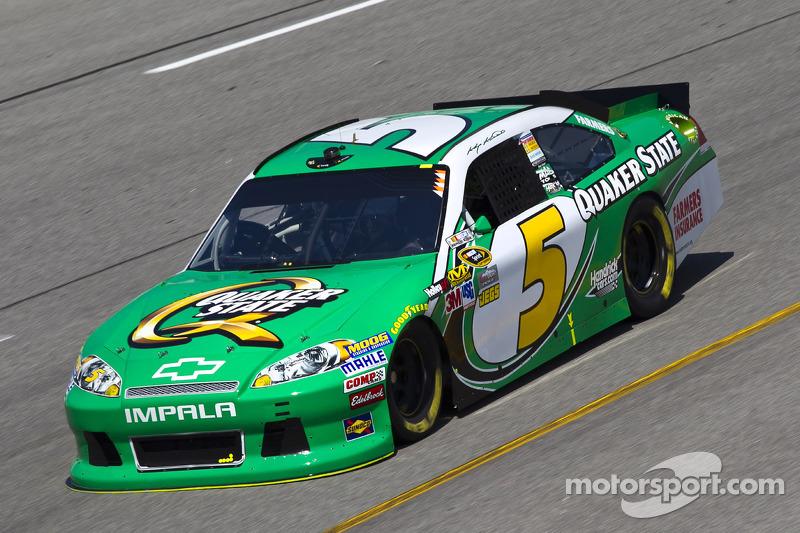 Kasey Kahne, Hendrick Motorsports Chevrolet, Greg Biffle, Roush Fenway Racing Ford