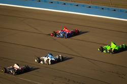 Will Power, Verizon Team Penske Chevrolet, Takuma Sato, Rahal Letterman Lanigan Honda, Graham Rahal, Service Central Chip Ganassi Racing Honda and James Hinchcliffe, Andretti Autosport Chevrolet