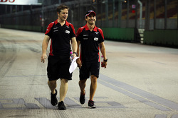 Timo Glock, Marussia F1 Team wandelt op het circuit