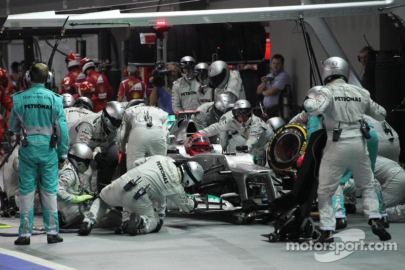 Michael Schumacher, Mercedes AMG F1 makes a pit stop