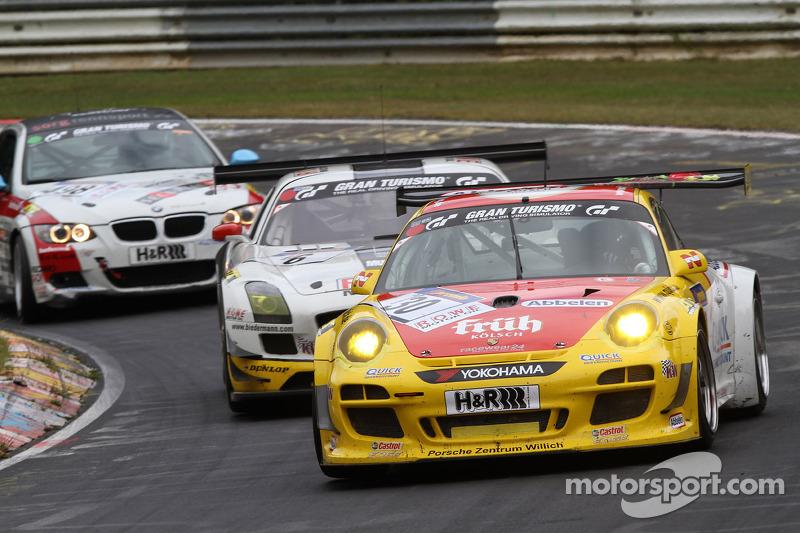 #30 Frikadelli Racing Porsche 911 GT3 R: Klaus Abbelen, Sabine Schmitz, Christopher Brück, Patrick Huisman