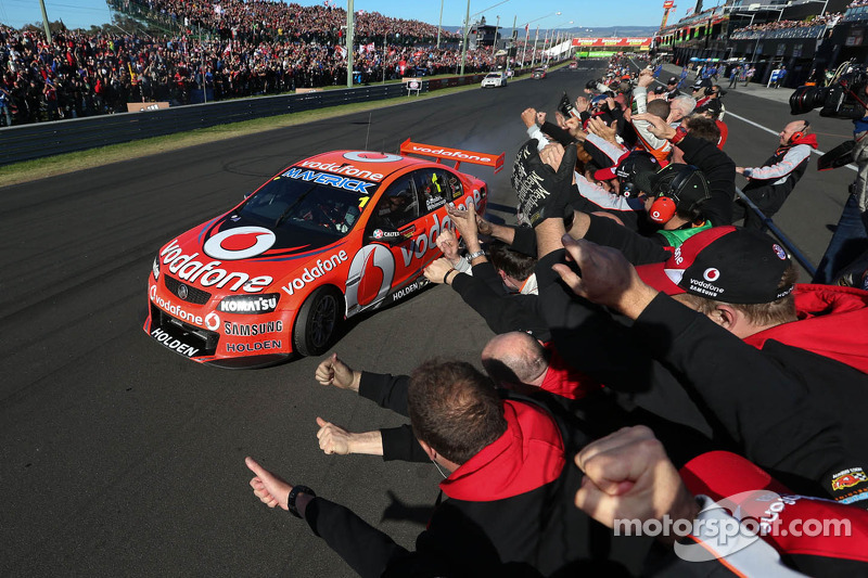 Winners Jamie Whincup and Paul Dumbrell, Team Vodafone