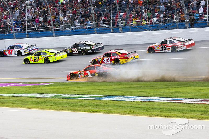 Jamie McMurray, Earnhardt Ganassi Racing Chevrolet spin