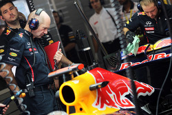 Adrian Newey, Red Bull Racing Chief Technical Officer with the Red Bull Racing of Sebastian Vettel, Red Bull Racing