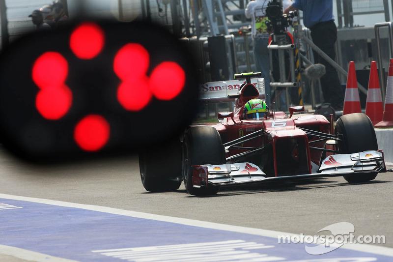 Felipe Massa, Ferrari F2012 in de pits