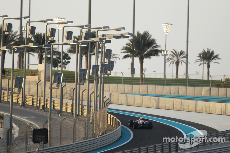 Sebastian Vettel, Red Bull Racing aan de leiding in de pitlane