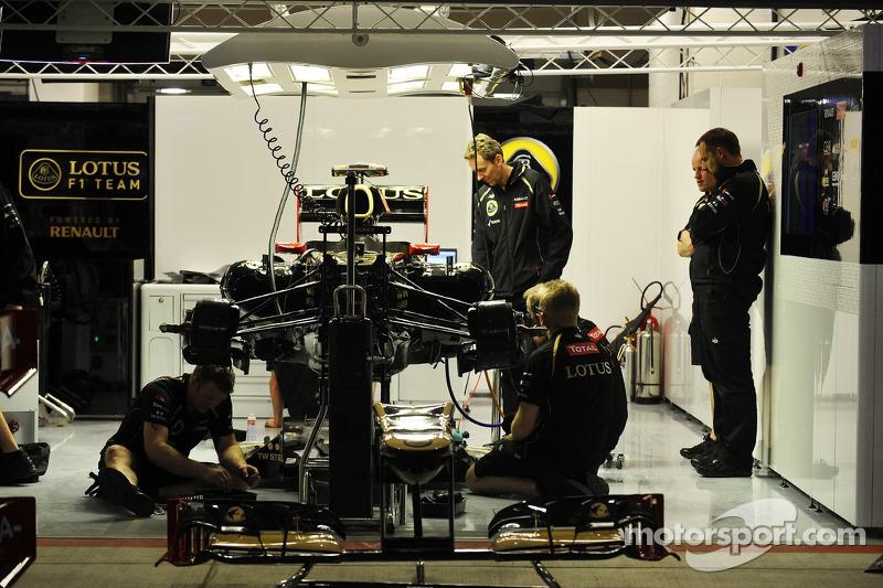 Lotus F1 garage