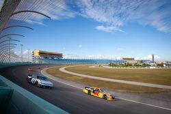 Jeff Burton, Richard Childress Racing Chevrolet, Aric Almirola, Richard Petty Motorsports Ford