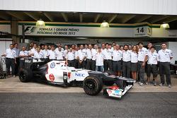 Kamui Kobayashi, Sauber in a team photo