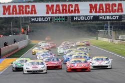 Start of Trofeo Pirelli race 1