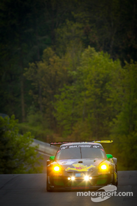 #8 Haribo Racing Team Porsche 911 GT3 R: Christian Menzel, Emmanuel Collard, Mike Stursberg, Hans Gu