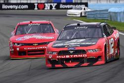 Joey Logano, Team Penske Ford, Garrett Smithley, JD Motorsports Chevrolet