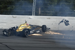James Hinchcliffe, Schmidt Peterson Motorsports Honda crash