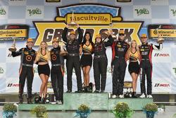 ST podium: first place Sarah Cattaneo, Owen Trinkler, CRG-I Do Borrow, James Clay, Tyler Cooke, BimmerWorld Racing, Roy Block, Pierre Kleinubing, Compass360 Racing