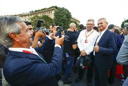 Ross Brawn, manager sportif, FOM, lors de la parade à Milan