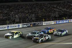 Райан Ньюман, Richard Childress Racing Chevrolet и Тревор Бейн, Roush Fenway Racing Ford