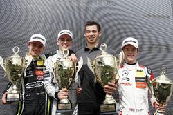 Podio: il vincitore della gara Jake Hughes, Hitech Grand Prix, Dallara F317 - Mercedes-Benz, il secondo classificato Lando Norris, Carlin Dallara F317 - Volkswagen, il terzo classificato Callum Ilott, Prema Powerteam, Dallara F317 - Mercedes-Benz