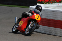 Barrie Sheene Memorial Trophy: Guy Martin Matchless
