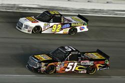 Myatt Snider, Kyle Busch Motorsports Toyota y Regan Smith, Ricky Benton Racing Ford