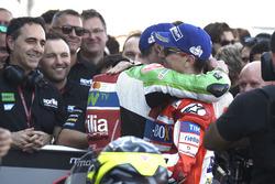 3. Jorge Lorenzo, Ducati Team; 6. Aleix Espargaro, Aprilia Racing Team Gresini