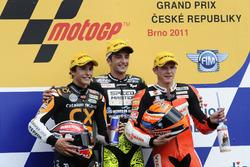 Podium: tweede plaats Marc Marquez, racewinnaar Andrea Iannone, derde plaats Stefan Bradl