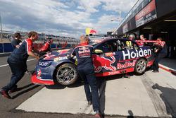 La voiture de Shane van Gisbergen, Triple Eight Race Engineering Holden après son accident