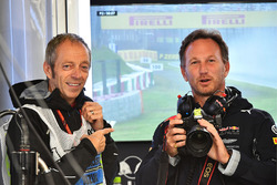 Mark Thompson, Getty Images Photographer and Christian Horner, Red Bull Racing Team Principal with camera