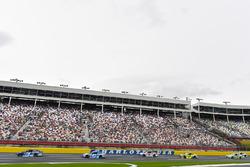 Мартин Труэкс-мл., Furniture Row Racing Toyota и Эрик Алмирола, Richard Petty Motorsports Ford