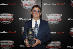 Wayne Taylor met VP Racing Fuels Front Runner award