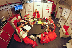 Breakfast in the Citroën team area