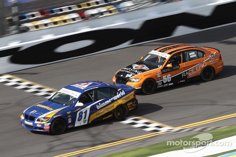 #81 BimmerWorld Racing BMW 328i: Tyler Cooke, Gregory Liefooghe en #56 RACE EPIC/ Murillo Racing BMW 328i: Jesse Combs, Jeff Mosing