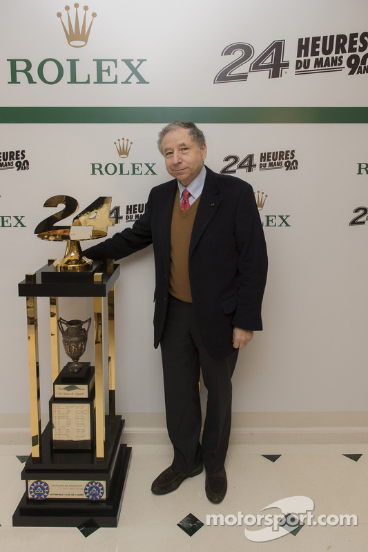 Jean Todt, Presidente da FIA with the 24 Hours of Le Mans trophy