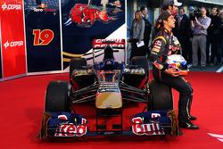 Daniel Ricciardo, Scuderia Toro Rosso and Jean-Eric Vergne, Scuderia Toro Rosso with the new Scuderia Toro Rosso STR8