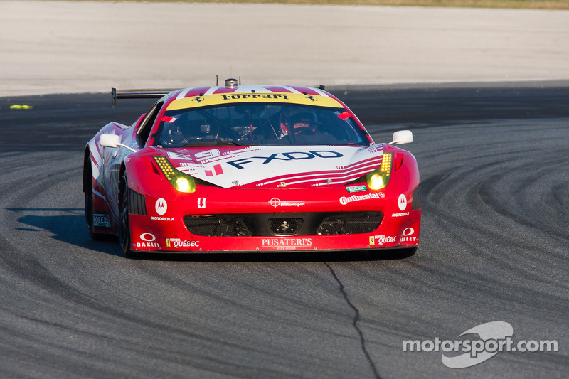 #69 AIM Autosport Team FXDD met Ferrari Ferrari 458: Emil Assentato, Anthony Lazzaro, Nick Longhi, Guy Cosmo, Mark Wilkins