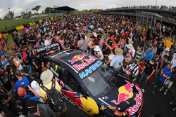 Fans look at the car of Jamie Whincup, Red Bull Holden