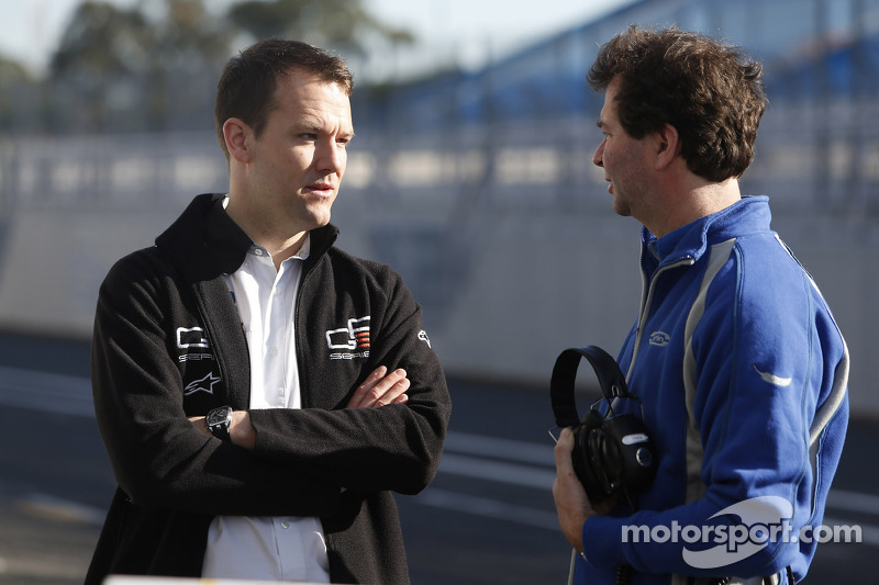 Leon Price, GP3 Head of operations talks with Trevor Carlin, Carlin Team principal