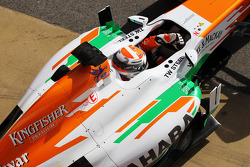Adrian Sutil, Sahara Force India VJM06, deixa os boxes