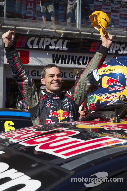 O vencedor Craig Lowndes, Red Bull Holden