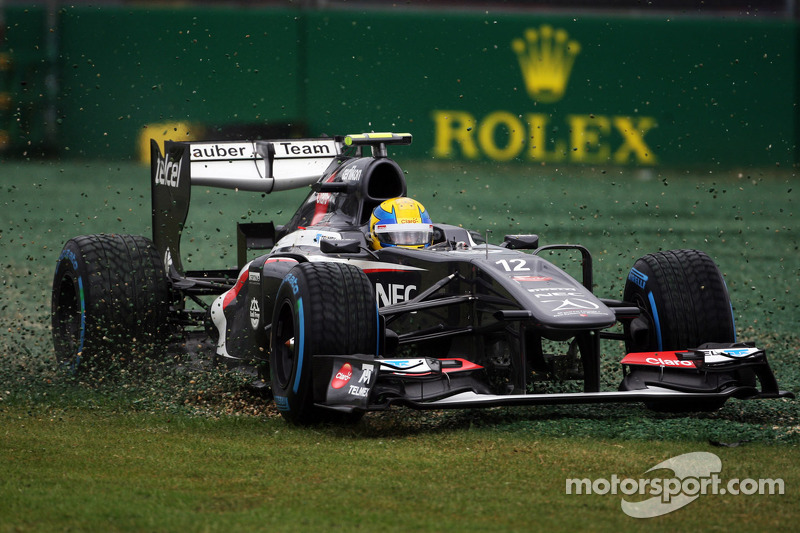 Esteban Gutierrez, Sauber C32 runs through the gravel trap