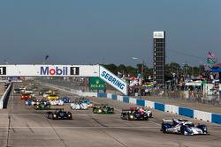 Start: #16 Dyson Racing Team Lola B12/60 Mazda: Chris Dyson, Guy Smith, Butch Leitzinger