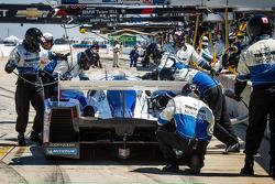 Pit stop #16 Dyson Racing Team Lola B12/60 Mazda: Chris Dyson, Guy Smith, Butch Leitzinger