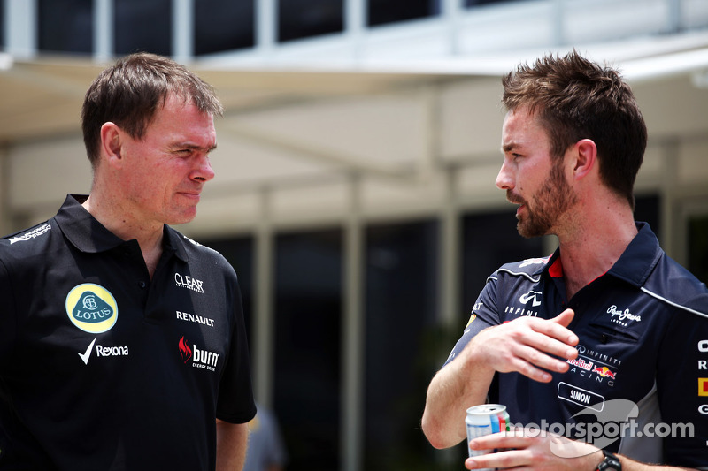 Alan Permane, Lotus F1 Team Trackside Operations Director met Simon Rennie, Red Bull Racing Race Engineer
