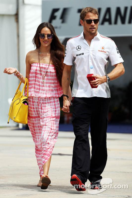 Jenson Button, McLaren com a namorada Jessica Michibata