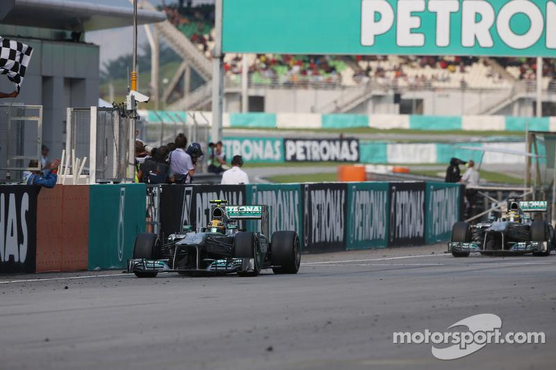 Third placed Lewis Hamilton, Mercedes AMG F1 W04 finishes ahead of team mate Nico Rosberg, Mercedes