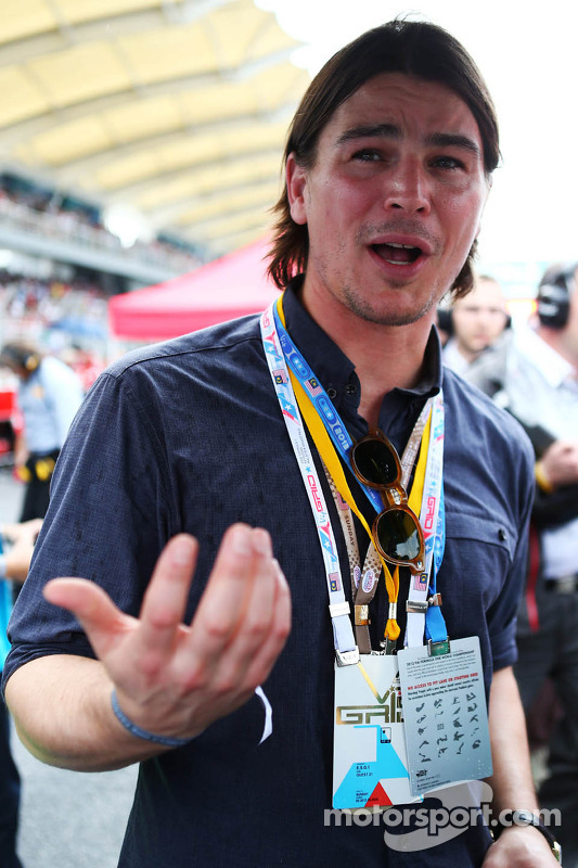 Josh Hartnett, ator, no grid