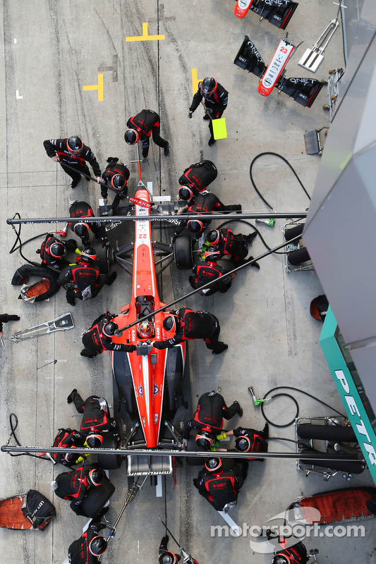 Jules Bianchi, Marussia F1 Team MR02 faz o pit stop