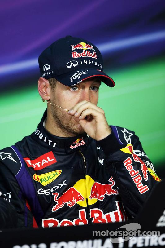 O vencedor Sebastian Vettel, Red Bull Racing na coletiva da FIA